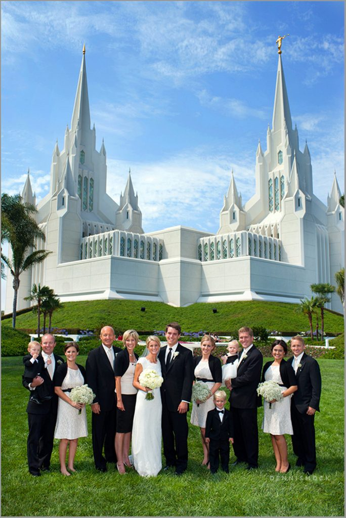 LDS family posed in from of the San Diego Temple