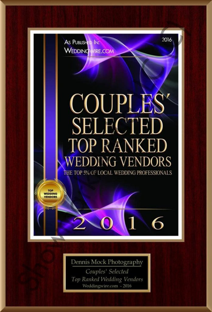 San Diego based Wedding Photographer awarded the Couples Choci Award 2016 from Wedding Wore. Cpnrats for the high honers