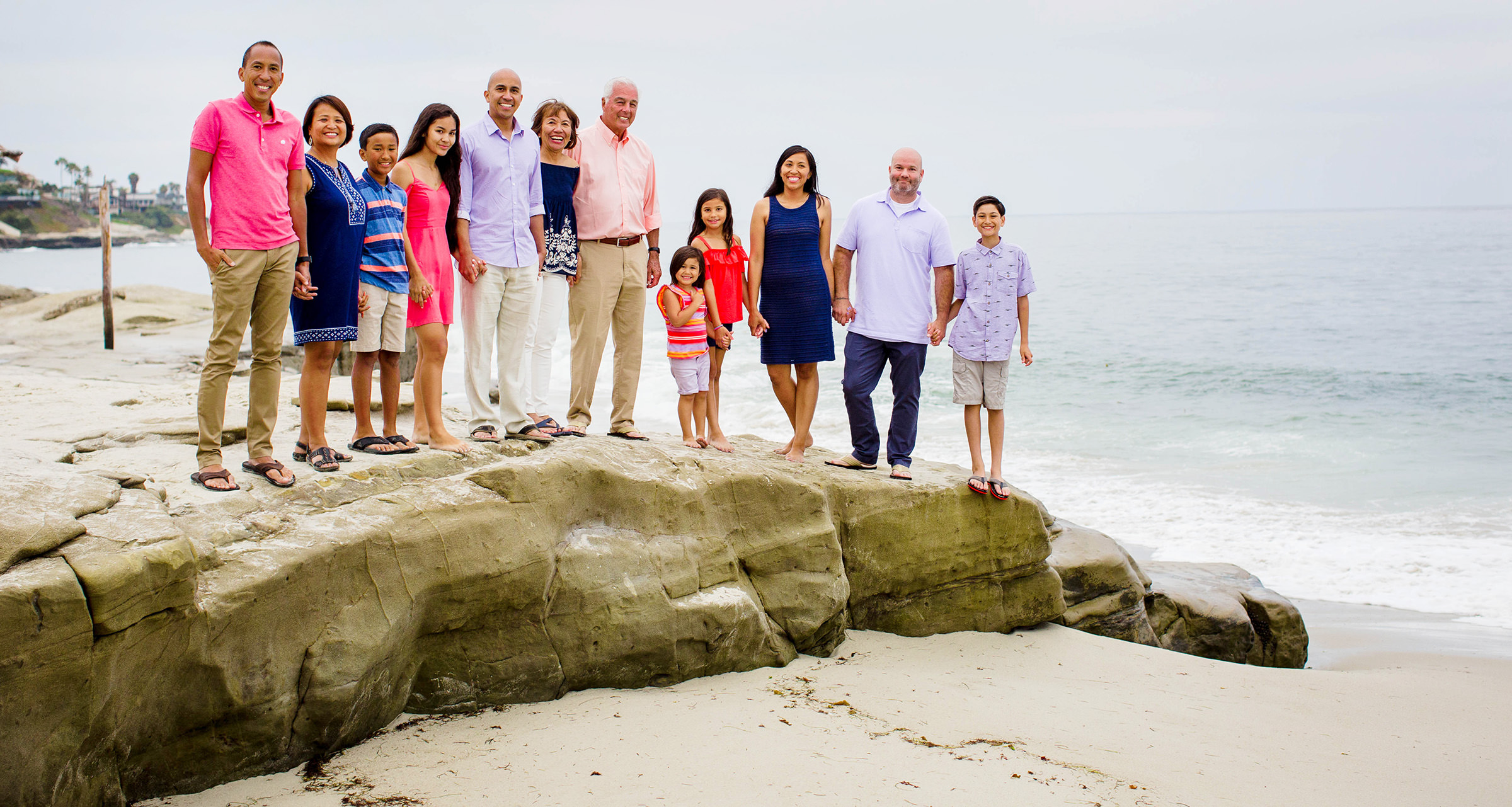San Diego family reunion pictured at La Jolla beach. Photo Dennis Mock photographer