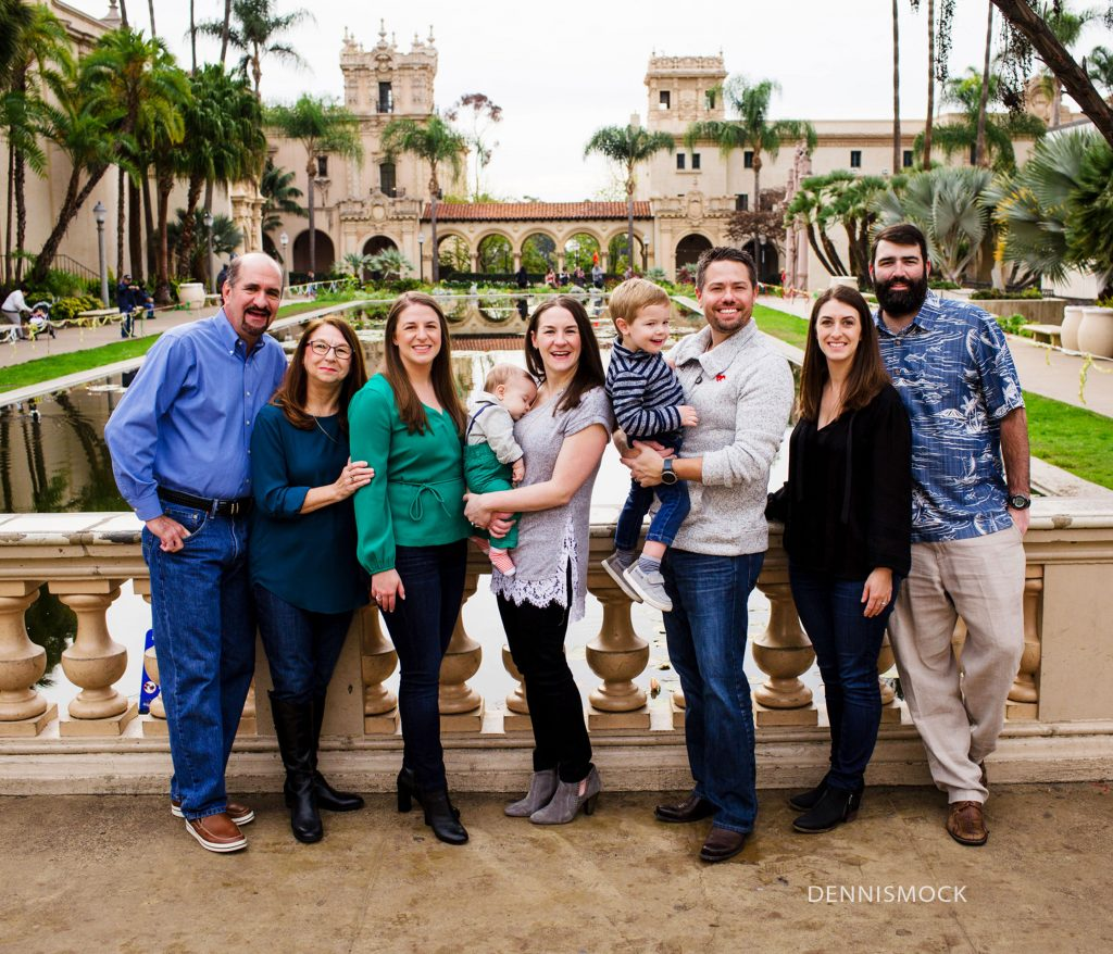 san diego family portraits in Balboa park extended family shoot
